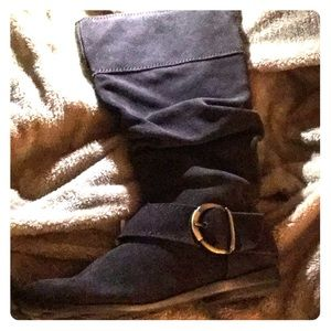 Brown suede boots zipper in back and on side